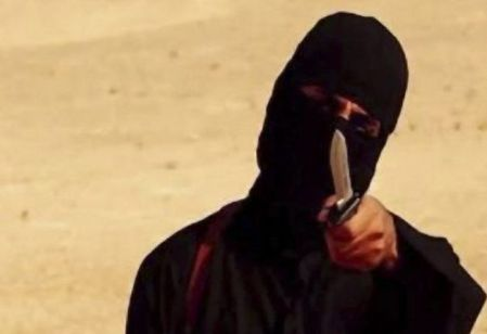 Execution of Steven Sotloff (1983 – 2014) by Jihadi John of ISIS. In August 2013, Sotloff was kidnapped in Aleppo, Syria, and held captive by militants from the Islamic State of Iraq and the Levant. Jihadi John (Mohammed Emwazi, born August 1988) a British man who is thought to be the person seen in several videos produced by the Islamic extremist group ISIL showing the beheadings of a number of captives in 2014 and 2015. (Photo by Universal History Archive/UIG via Getty Images)