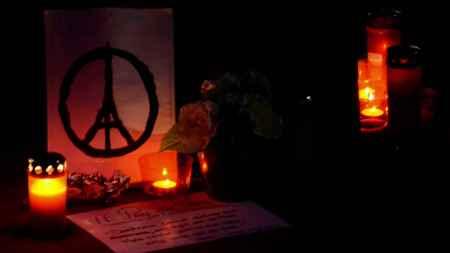nov.-13-paris-attacks-memorial