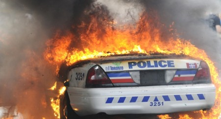 burning_toronto_canada_police_car_banner_6-6-16-1.sized-770x415xc
