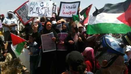 palestinian_demonstration_against_demolish_of_the_village_susya-e1433517117362