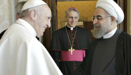 pope-and-iran-rouhani-ap-640x480