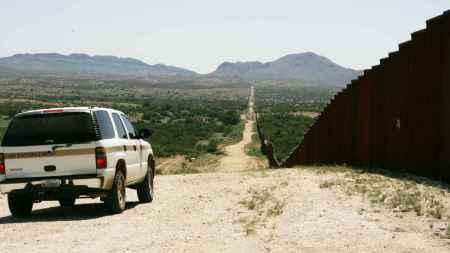 border_patrol_car_patroling_on_border