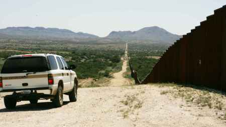 border_patrol_car_patroling_on_border