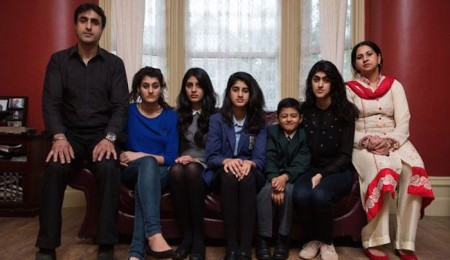 nissar-hussain-and-family