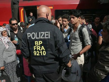 germany-reinstates-border-controls-to-stem-migrant-influx-640x480