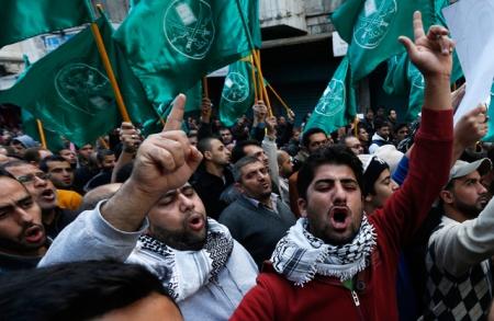 egypt-muslim-brotherhood-supporters-flags-ip_3