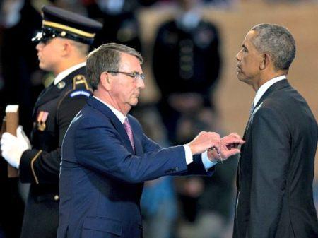 obama-distinguished-public-service-medal-getty-640x480