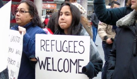 sign-refugees-welcome-photo-cijnews