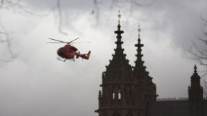 London's air ambulance arrives at the Houses of Parliament in central London on March 22, 2017 during an emergency incident (AFP PHOTO / DANIEL LEAL-OLIVAS)