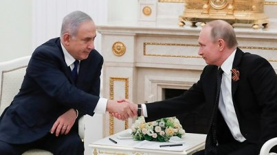 PM Netanyahu (L) and Russian President Putin. Israel was said to have notified Russian it has redrawn its 'red lines' in operating against Iran in Syria (Photo: AP)