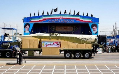 "This picture taken on September 22, 2018 shows the long-range Iranian missile ""Khoramshahr"" being shown during the annual military parade marking the anniversary of the outbreak of the devastating 1980-1988 war with Saddam Hussein's Iraq, in the capital Tehran. (AFP PHOTO / STR)"