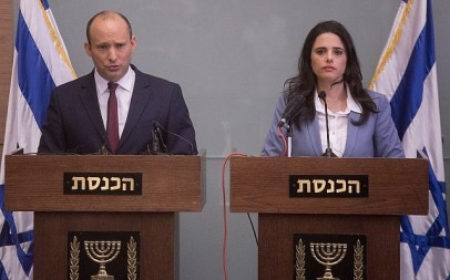 Education Minister Naftali Bennett, left, and Justice Minister Ayelet Shaked deliver a statement during a press conference in the Knesset, November 19, 2018. (Miriam Alster/Flash90)