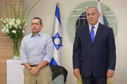 Shin Bet Director Nadav Argaman and Netanyahu (Photo: Amos Ben Gershom/GPO)