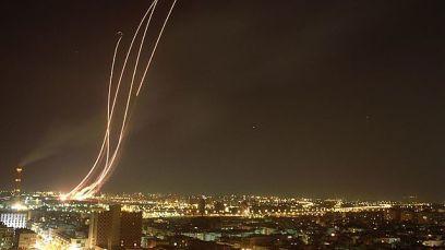 Patriot missiles intercepting Iraqi Scuds over Tel Aviv during the 1991 Gulf War (Photo: GPO)
