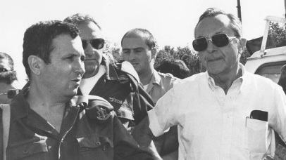 Deputy IDF Chief of Staff Ehud Barak and Defense Minister Moshe Arens during the 1991 Gulf War (Photo: Israeli Ministry of Defense)