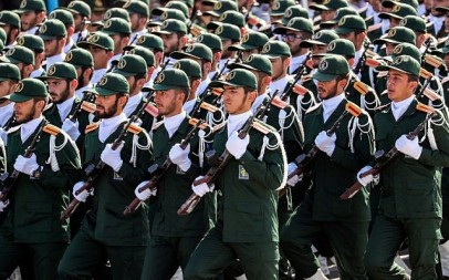 Members of Iran's Revolutionary Guard Corps (IRGC) march during the annual military parade marking the anniversary of the outbreak of the devastating 1980-1988 war with Saddam Hussein's Iraq, in the capital Tehran on September 22, 2018. (AFP/STR)
