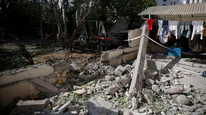 House in Ashkelon hit by Gaza rocket (Photo: AP)