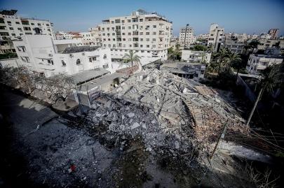 Multi-storey building flattened in Gaza after IDF strike (Photo: EPA)