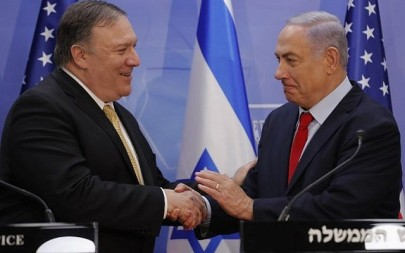 US Secretary of State Mike Pompeo (L) and Prime Minister Benjamin Netanyahu shake hands after delivering a joint statement during their meeting in Jerusalem on March 20, 2019/ (Jim Young/Pool/AFP)