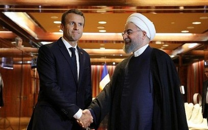 France's President Emmanuel Macron, left, meets his Iranian counterpart Hassan Rouhani in New York, September 19, 2017. (AFP Photo/ Ludovic Marin)