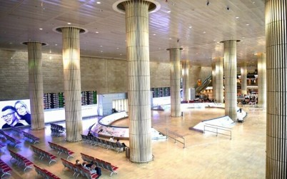 The empty arrival hall at the Ben Gurion International Airport on March 11, 2020 (Flash90)